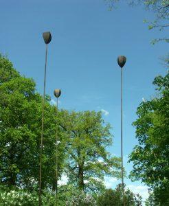 Mohnfeld Kunst aus Stahl als Skulptur Jost Loeber