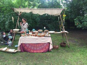 Mittelaltermärkte und Kunsthandwerkermärkte mit Töpferware von Christa Welte Joern
